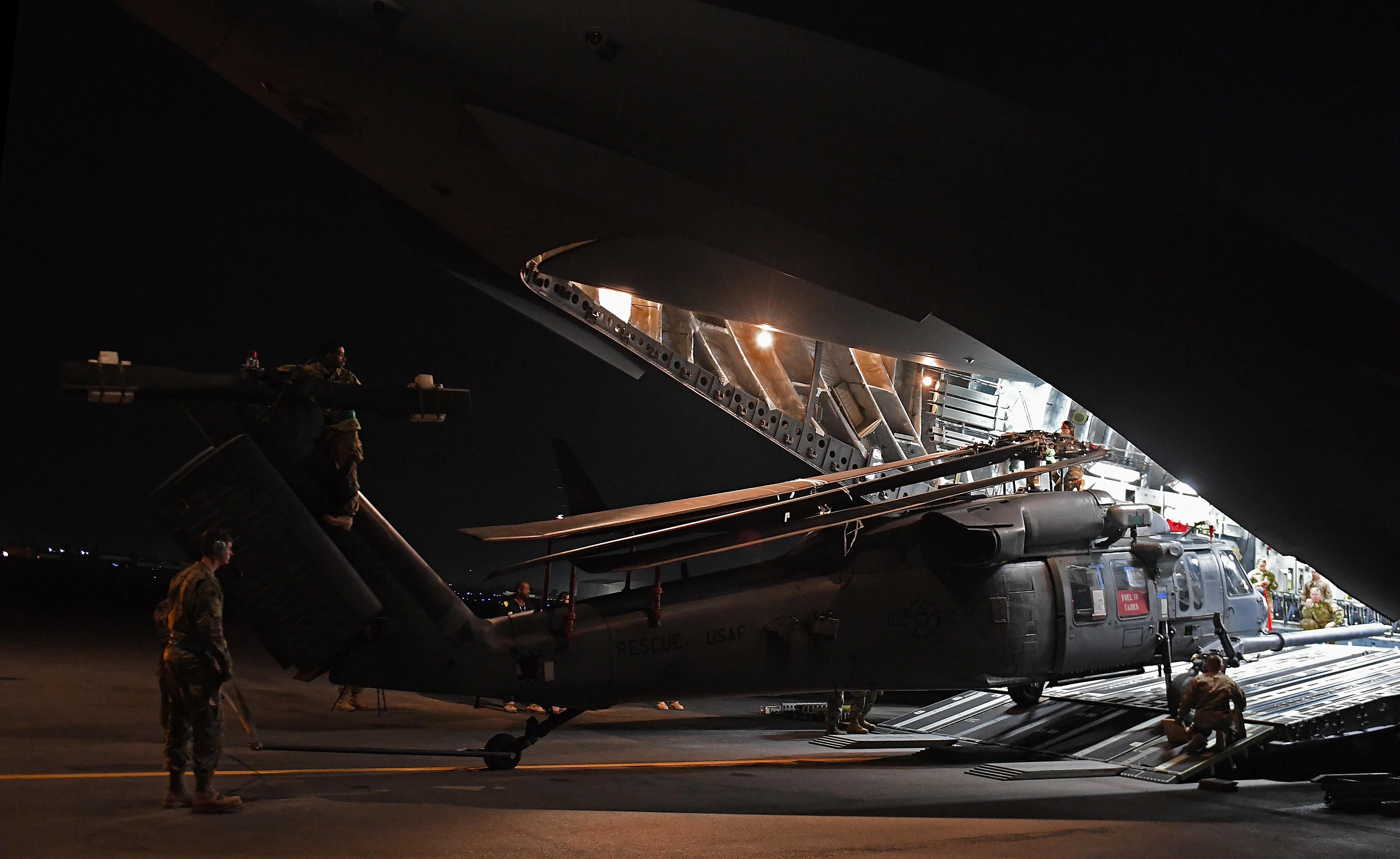 HH-60 Pave Hawk Arrival